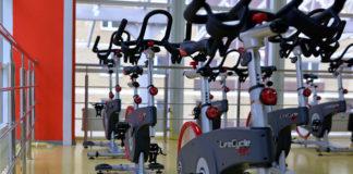 Rower treningowy dla seniora – jakie przyniesie korzyści